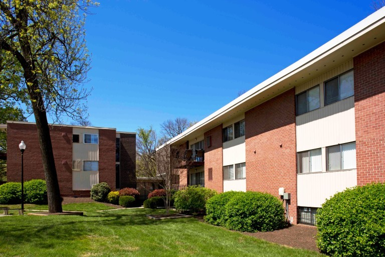 Strawberry Hill Apartments