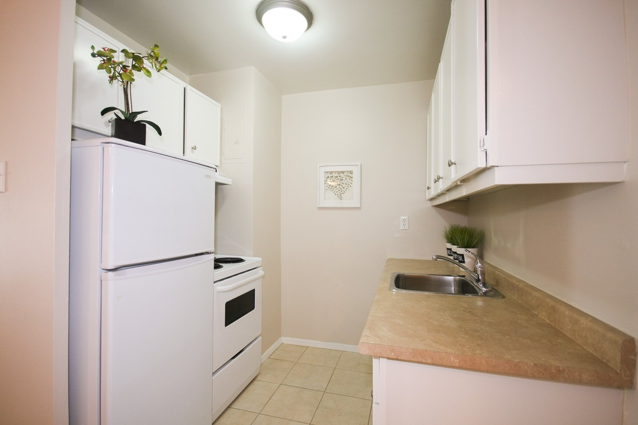 Talbot Towers - 565 Talbot St, London, ON N6A 2T1 - Apartment for ...