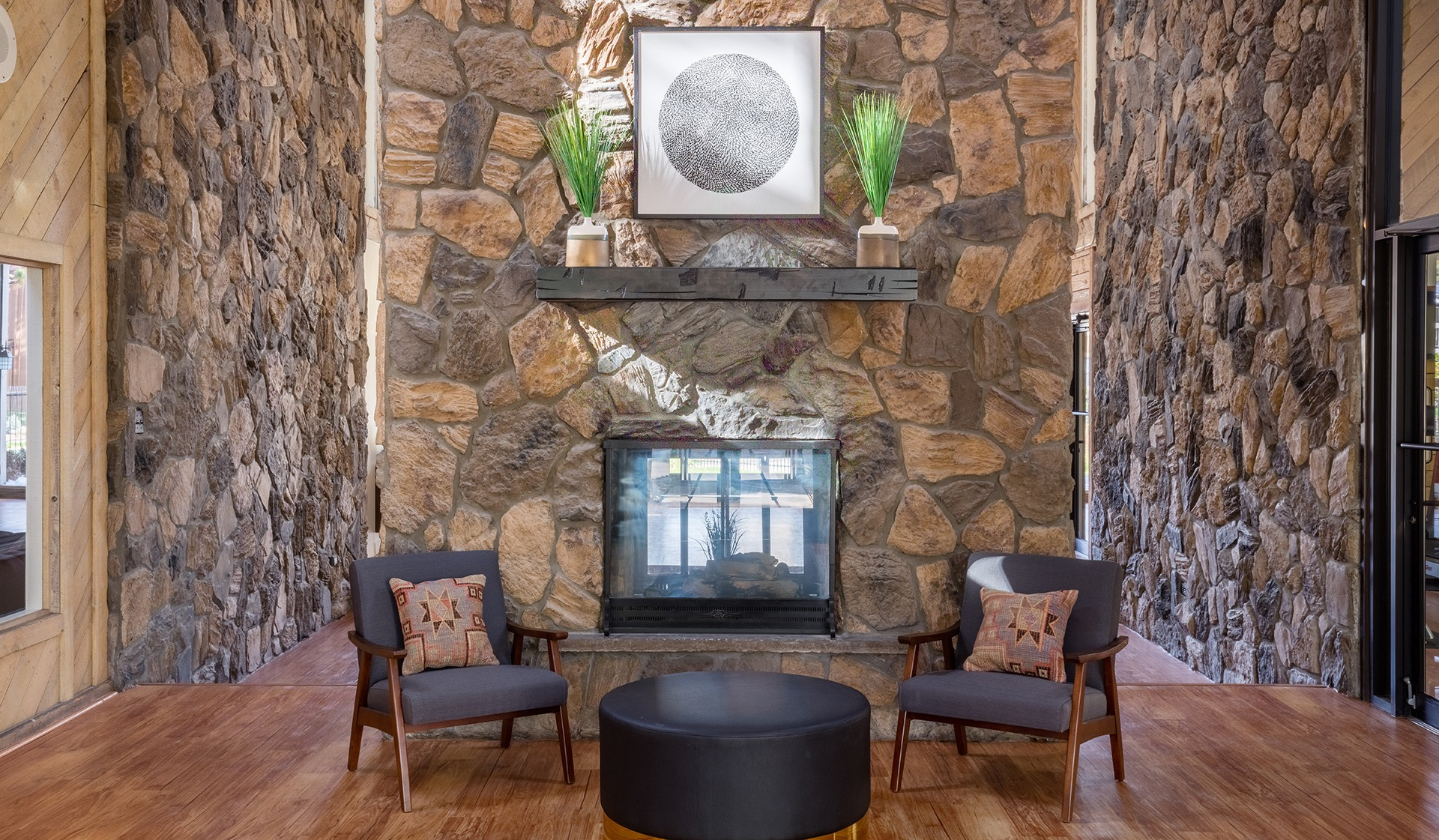 Creekside Apartments, Denver - (see pics & AVAIL)