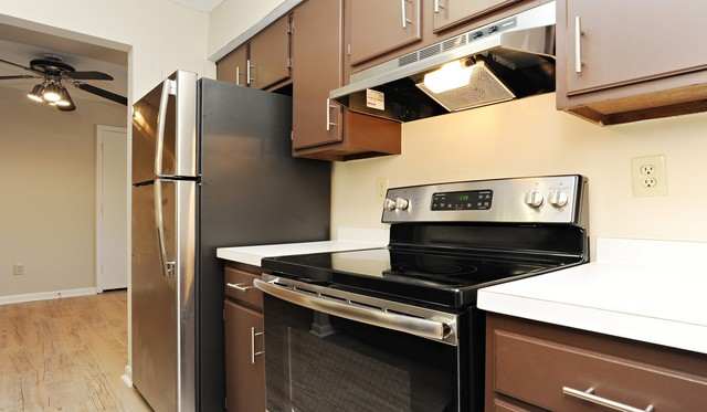 Waterford Village Apartments - 51 Meadow Ln, Bridgewater, MA 02324 ...