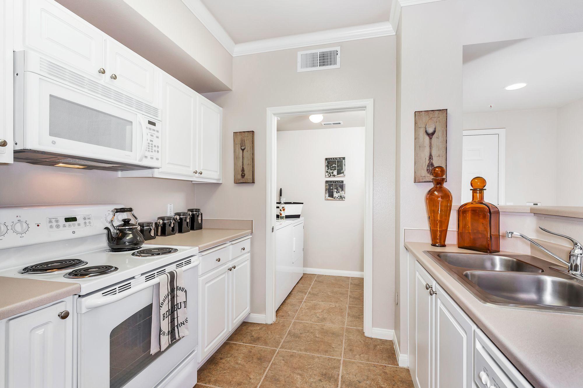 Sycamore Terrace Apartments, Sacramento - (see reviews, pics & AVAIL)