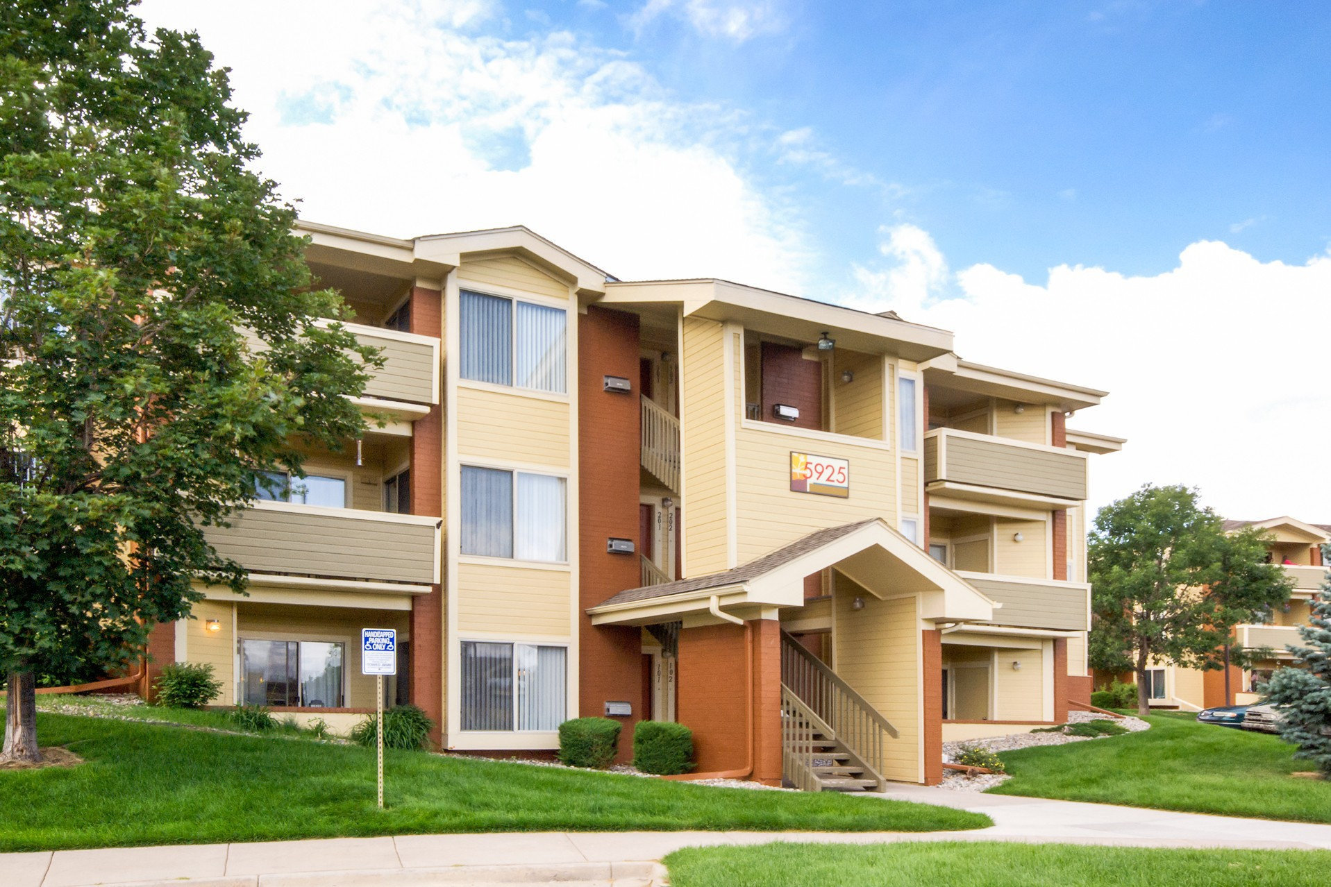 Heritage at Hidden Creek Apartments for Rent 5910 Vista Ridge