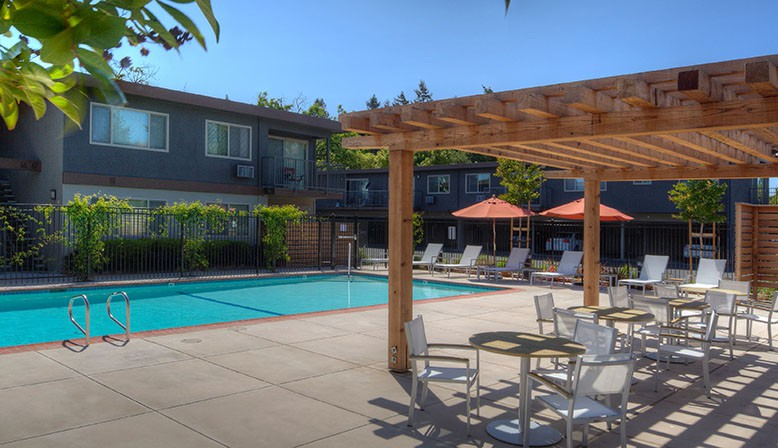 Apartments Near Stanford Highland Gardens for Stanford University Students in Stanford, CA