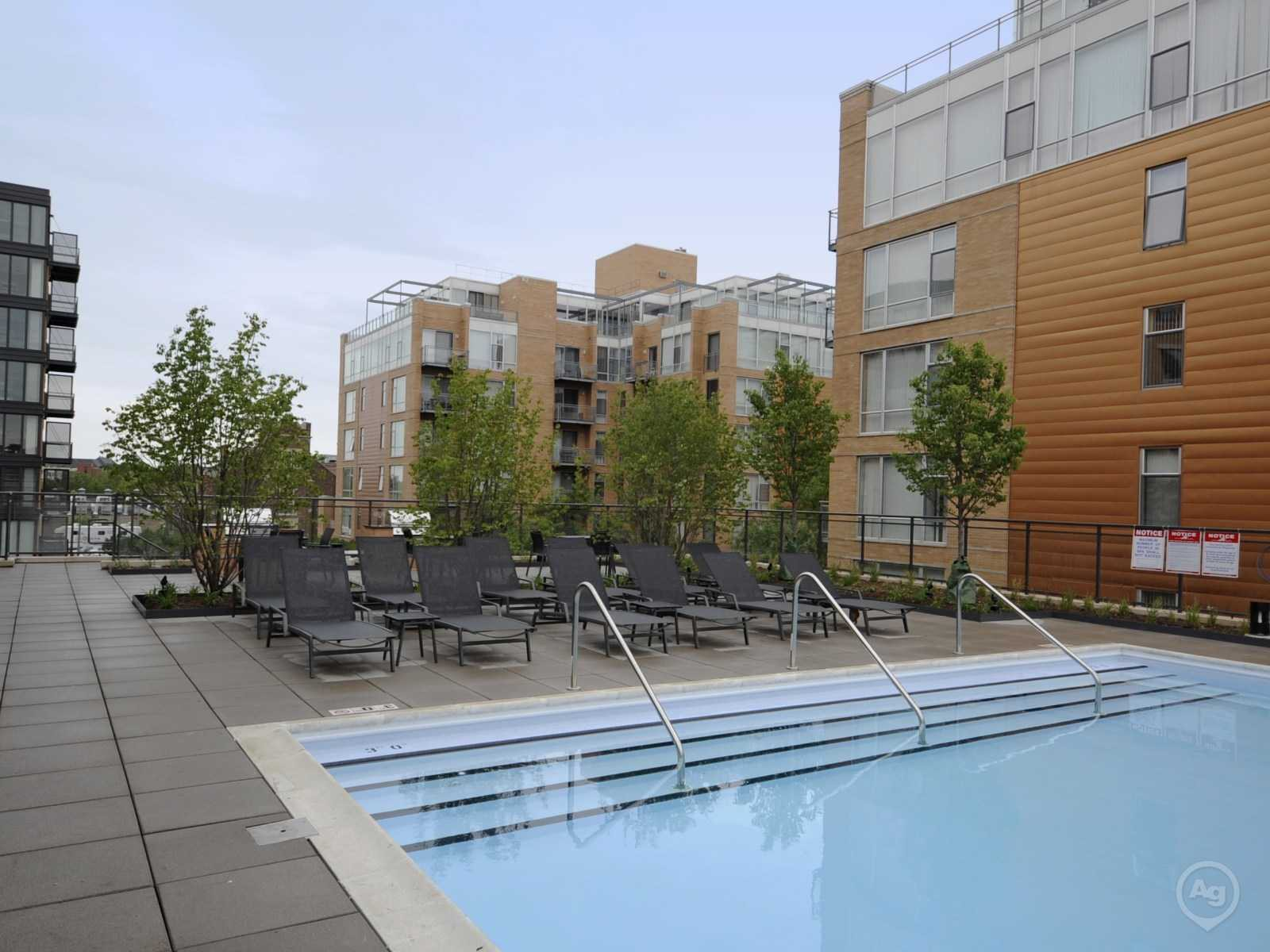 Evanston Place Apartments - 1715 Chicago Ave, Evanston, IL 60201 ...