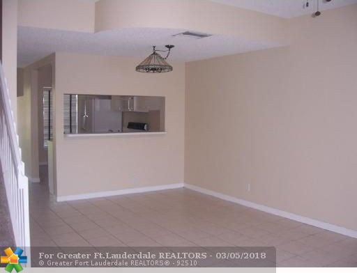 Luxury 2 Beds 2 Baths Model - Modern 2 bedroom 2 bath apartment