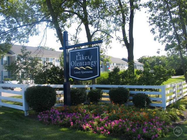 The Lakes Of Olentangy Apartments for Rent - 396 Summerwind Ln ...