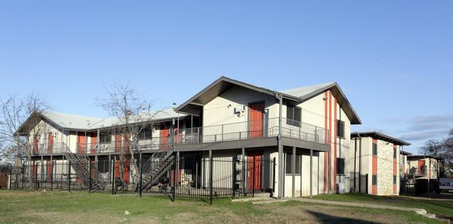 Town Lake Apartments