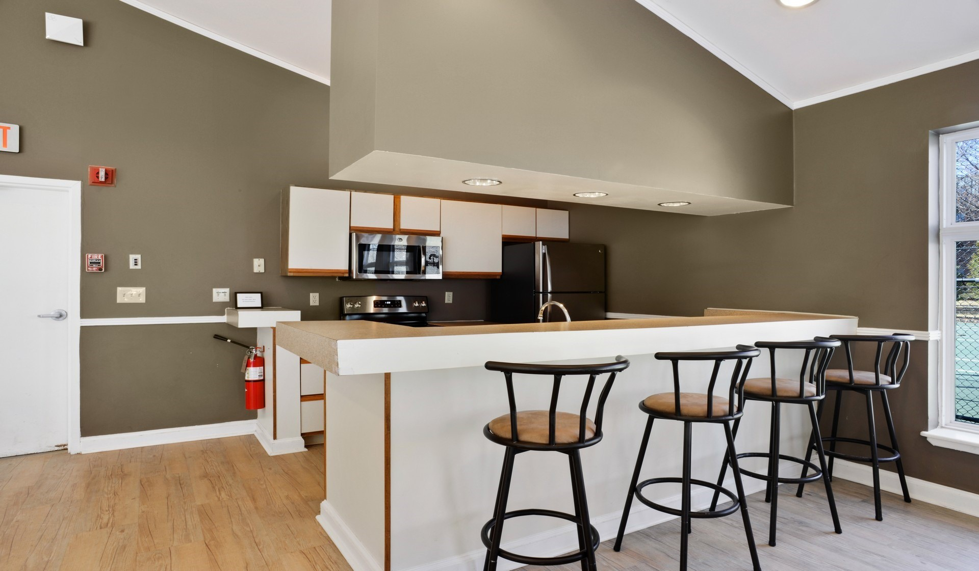 Vantage Pointe Apartments Swampscott See Pics Amp Avail