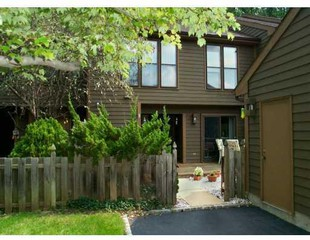 13 Hickory Hollow Ct