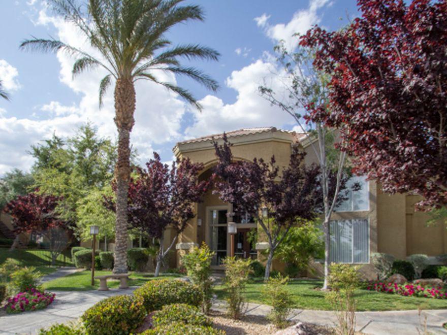 Broadstone Flamingo West for rent