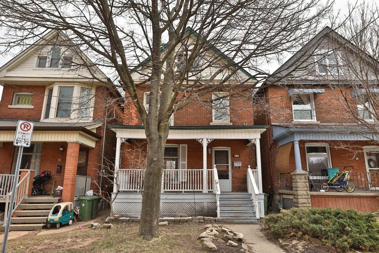 37 Lorne Avenue Apartment For