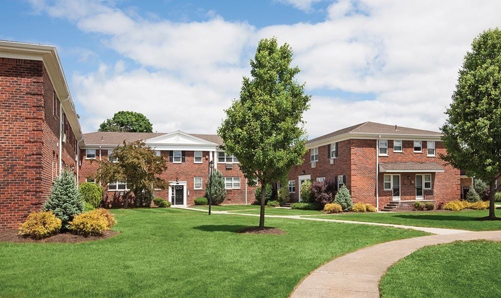 Apartments Near Ramapo Wayne Village for Ramapo College of New Jersey Students in Mahwah, NJ