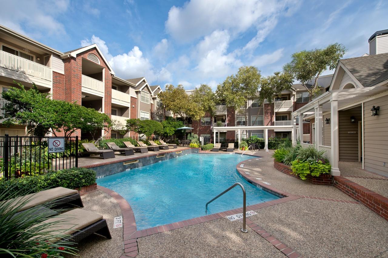 Gables CityWalk Waterford Square - 2828 Greenbriar Dr, Houston, TX ...