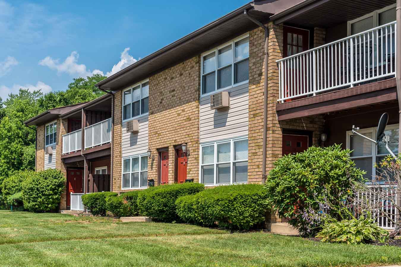 Apartments Near Rider Royal Crest Apartments for Rider University Students in Lawrenceville, NJ