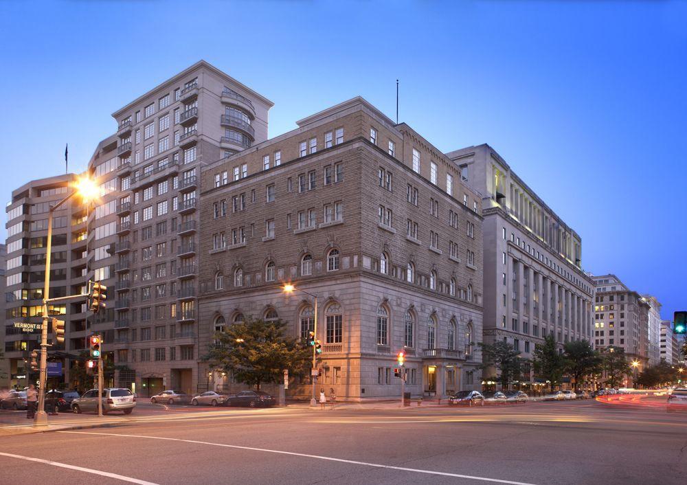 Apartments Near GWU Camden Grand Parc for George Washington University Students in Washington, DC