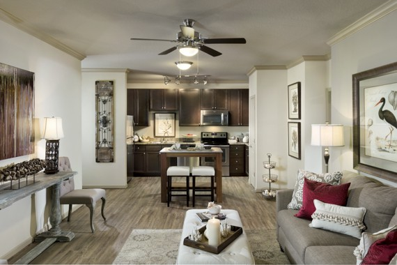 Apartments Near UCF Camden Waterford Lakes for University of Central Florida Students in Orlando, FL