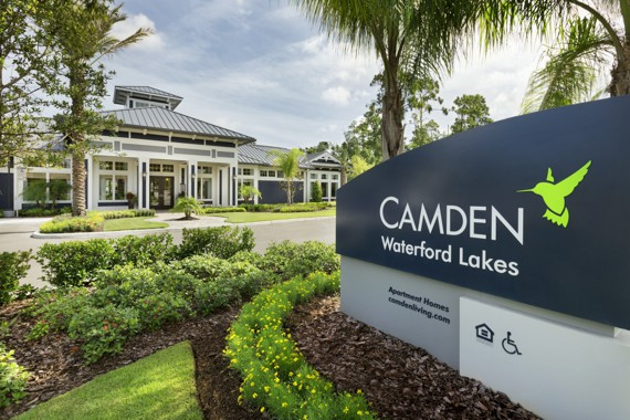Camden Waterford Lakes Apartments