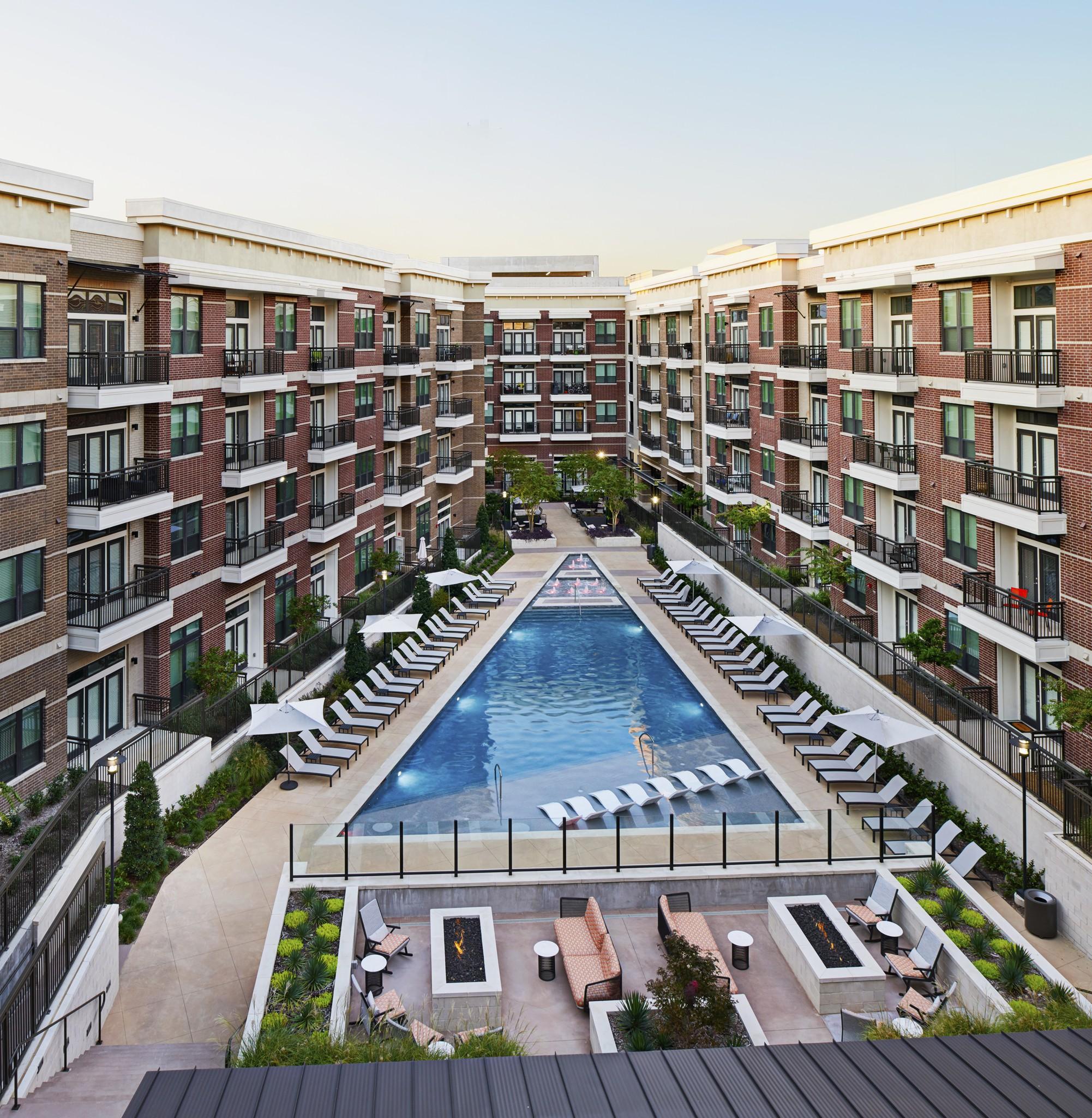 Camden Apartments Dallas: Camden Victory Park, Dallas