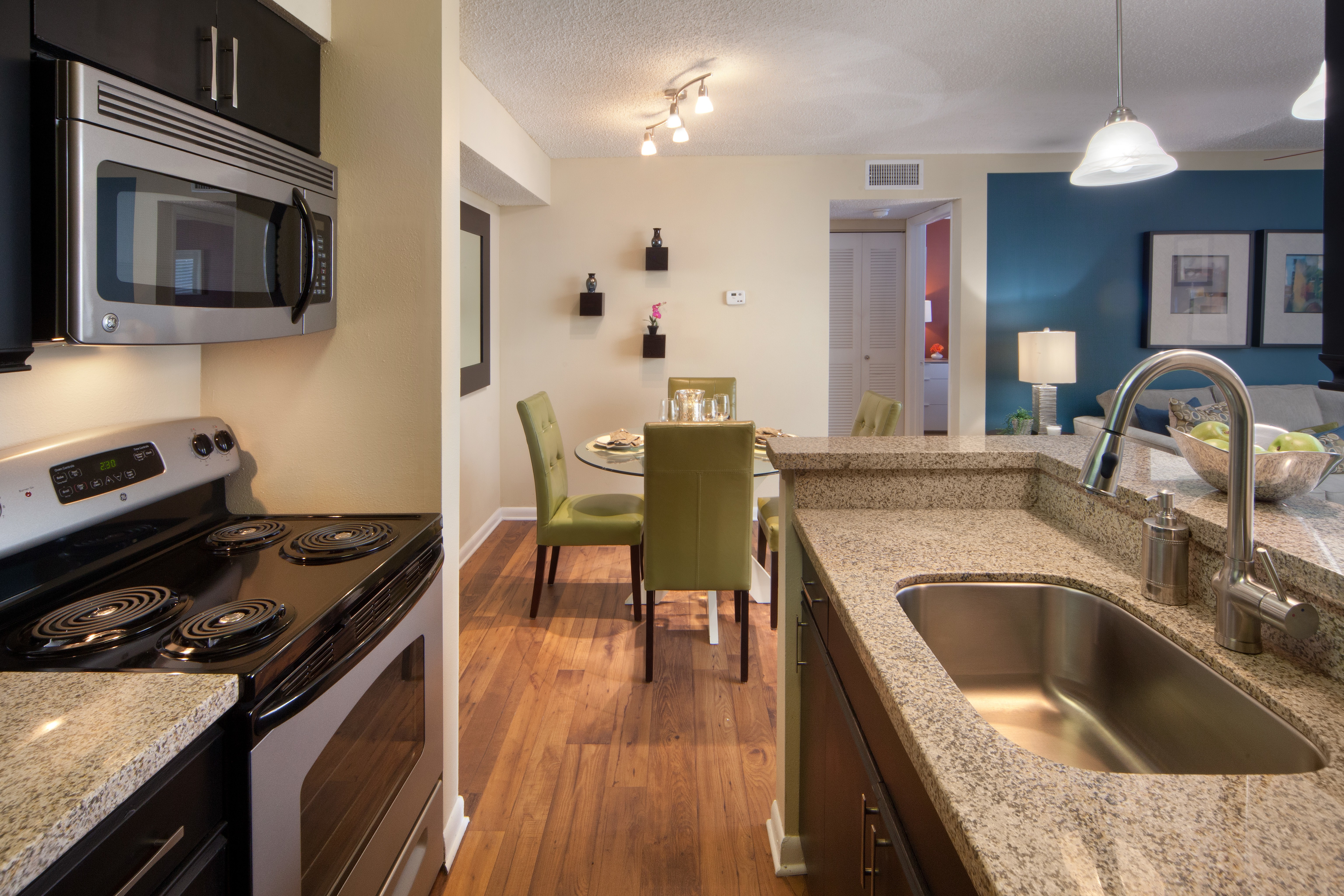 60 Apartments in West Palm Beach, FL (AVAIL now)