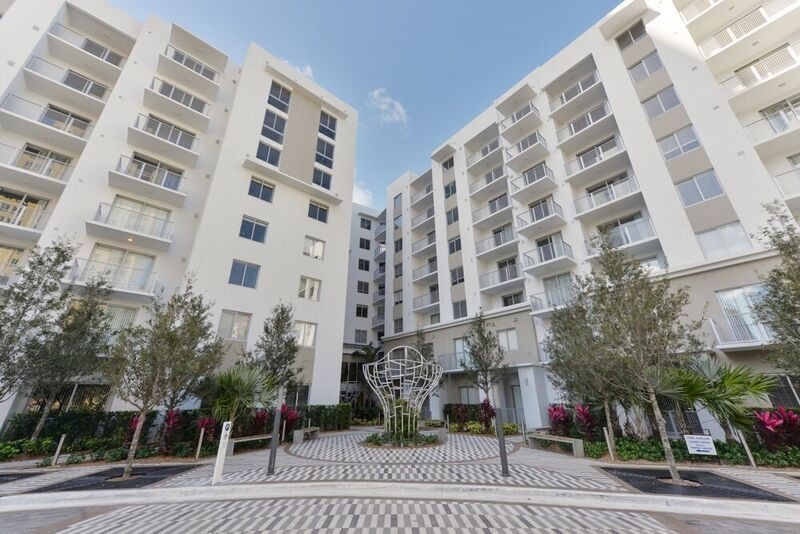 Pearl Dadeland for rent