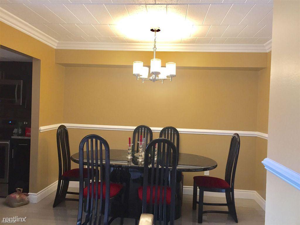 18228 University Park Dr, Livonia, MI 48152 1 Bedroom Condo for Rent ...