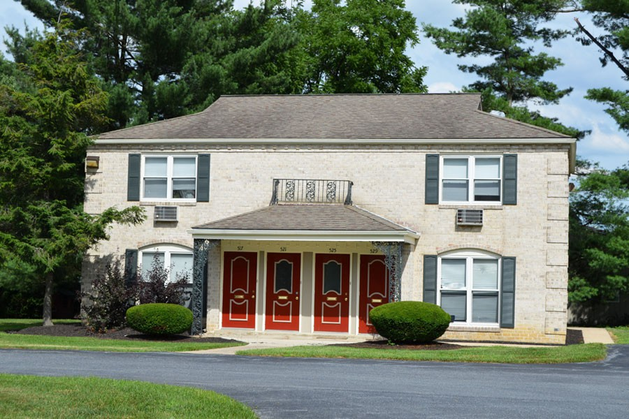 Apartments Near F & M Cherryhill Villas for Franklin & Marshall College Students in Lancaster, PA