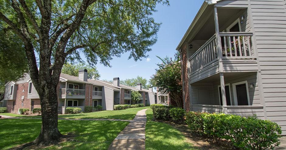 Porterwood Apartments