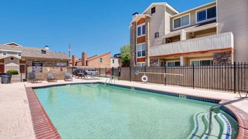 Summertree Place Apartments