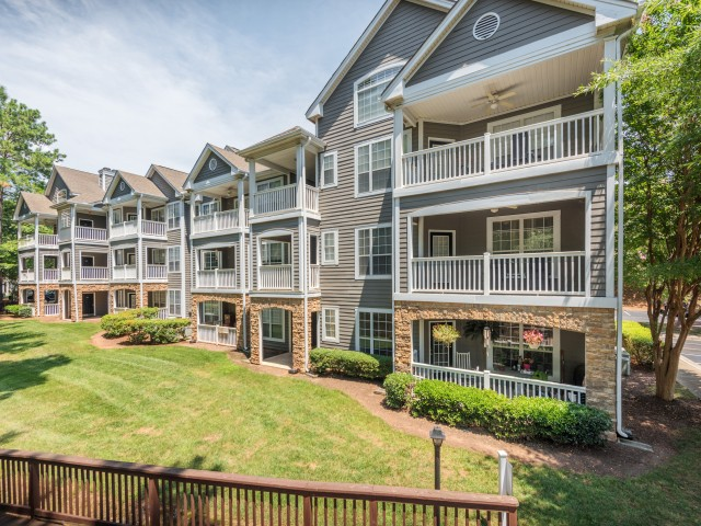 College Apartments in Morrisville | College Student Apartments