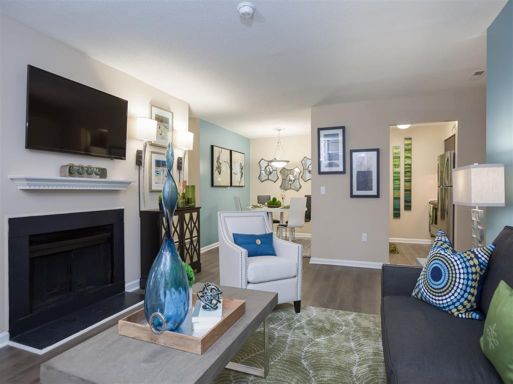 Woodlyn on the Green Apartment Homes rental