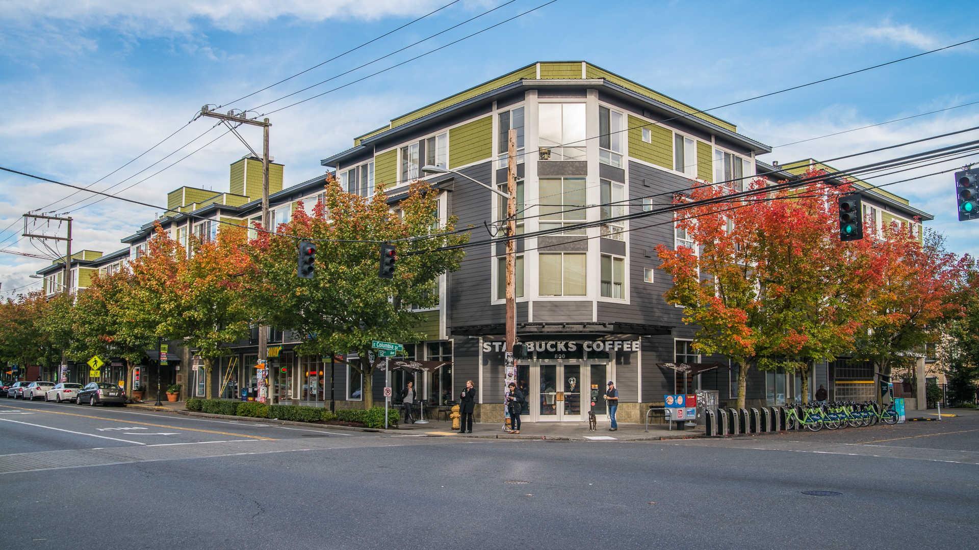 Apartments Near UW Rianna for University of Washington Students in Seattle, WA