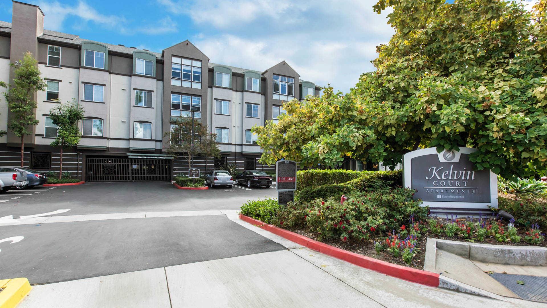 Apartments Near UC Irvine Kelvin Court for University of California - Irvine Students in Irvine, CA