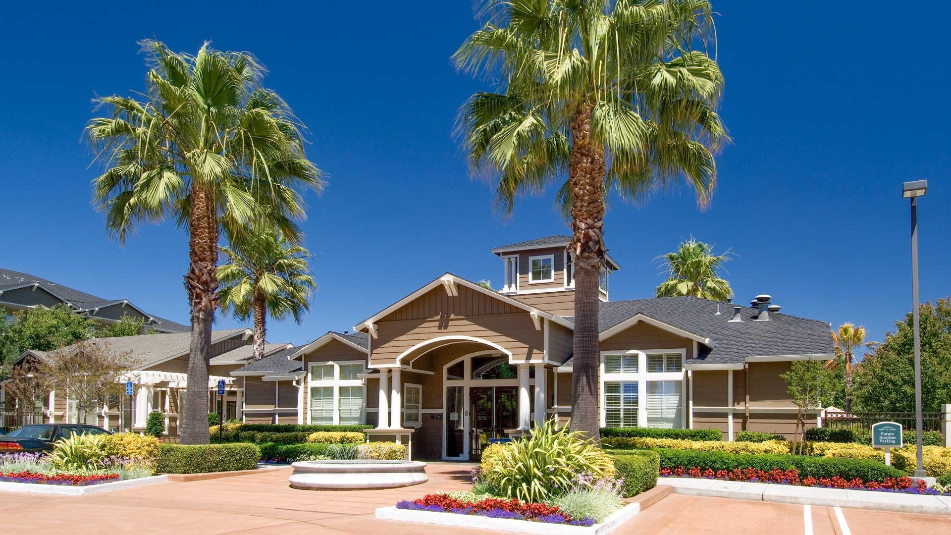 Apartments Near Las Positas Fountains at Emerald Park for Las Positas College Students in Livermore, CA