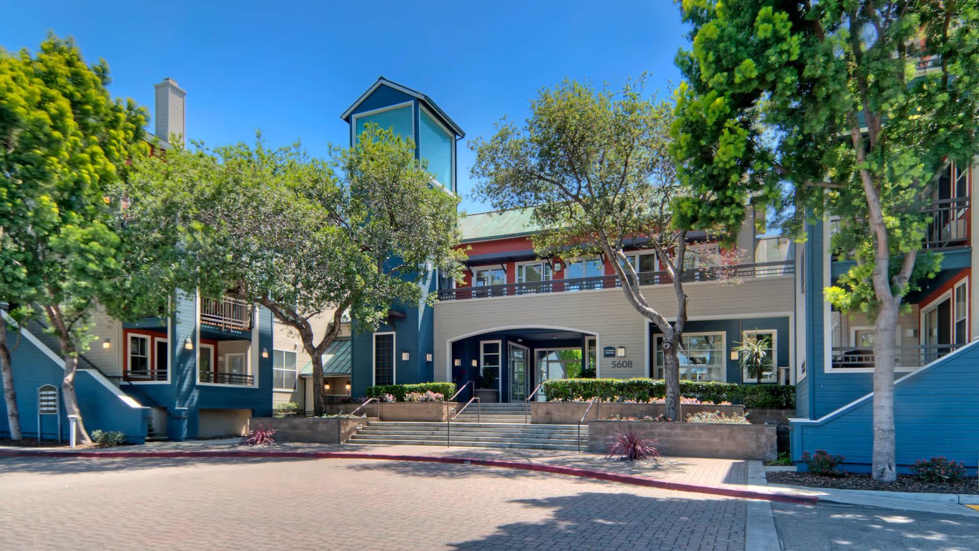 Apartments Near De Anza City Gate at Cupertino for De Anza College Students in Cupertino, CA