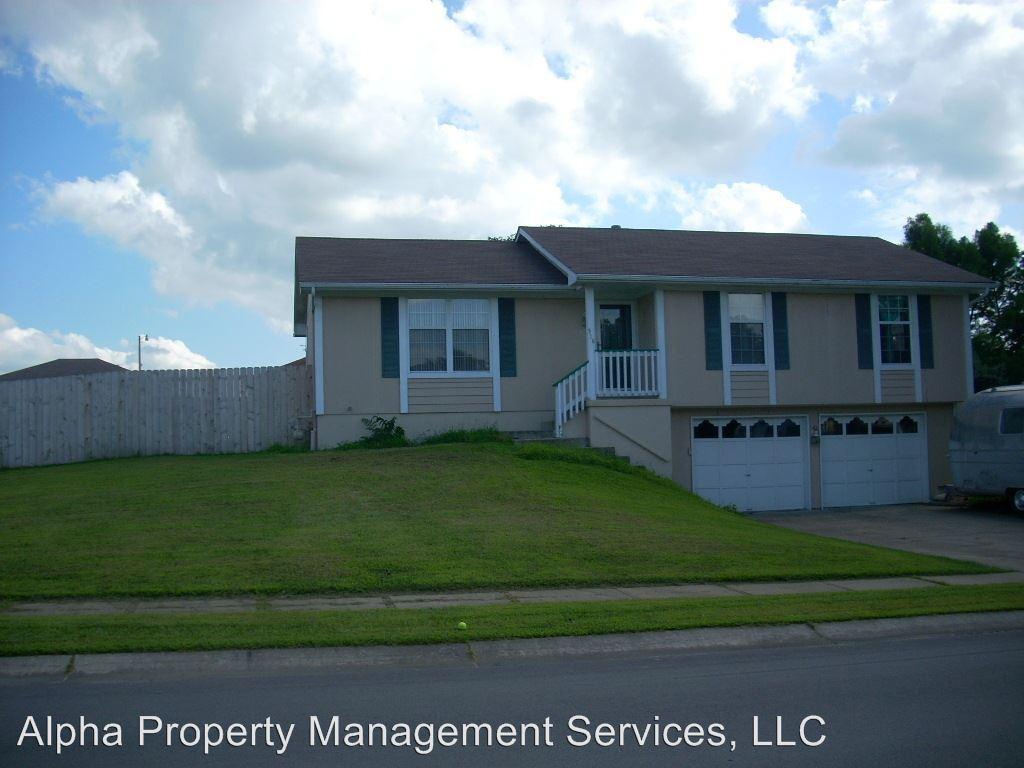 518 Foster Ln Warrensburg Mo 64093 3 Bedroom House For Rent For