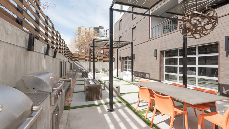Apartments Near AiC Arrive 800 Penn for The Art Institute of Colorado Students in Denver, CO