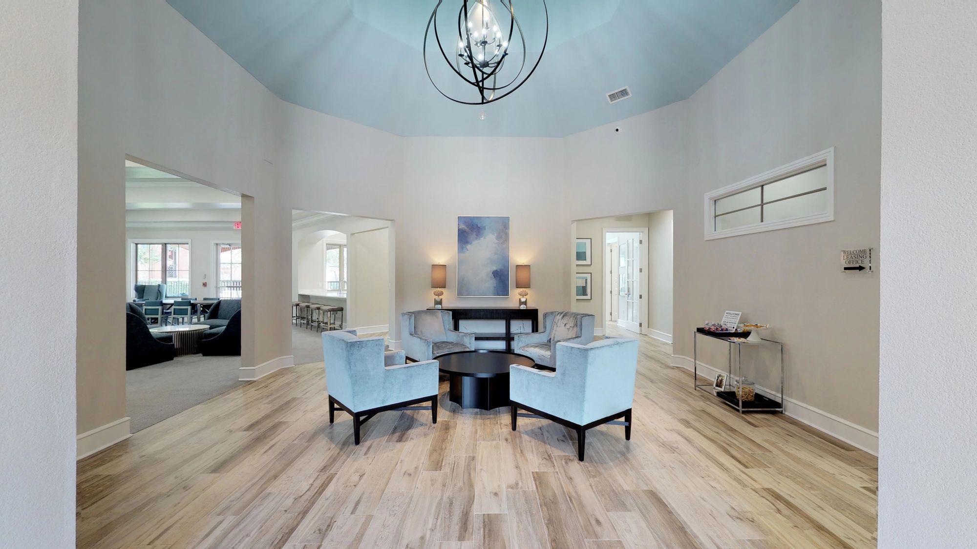 Oaks Riverchase Apartments rental
