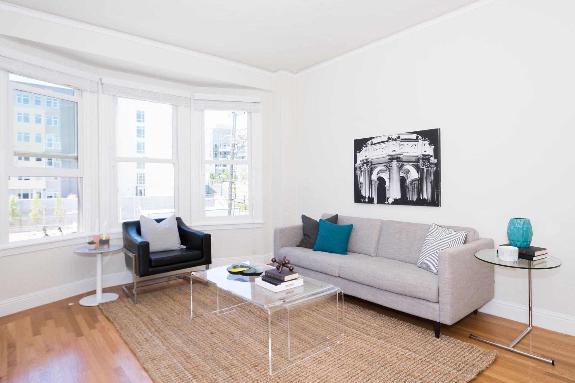 50 LAGUNA Apartments