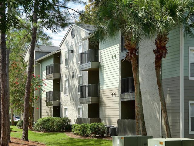 Brookwood Club Apartments