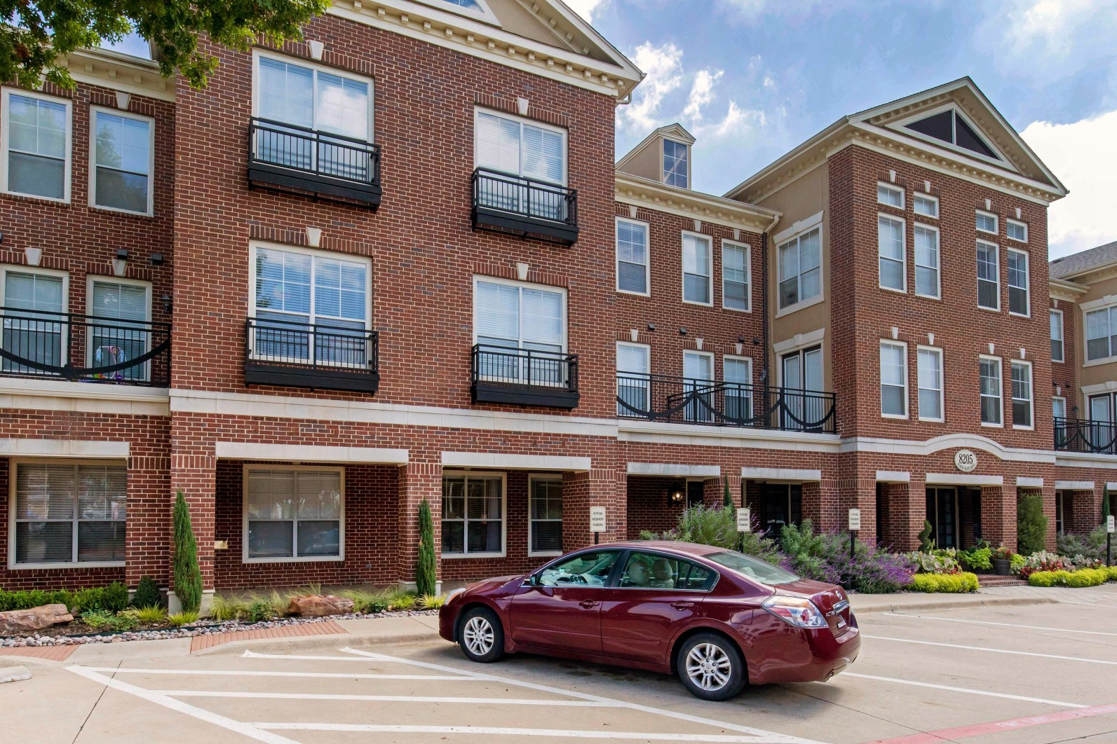 The Lincoln at Towne Square Apartments