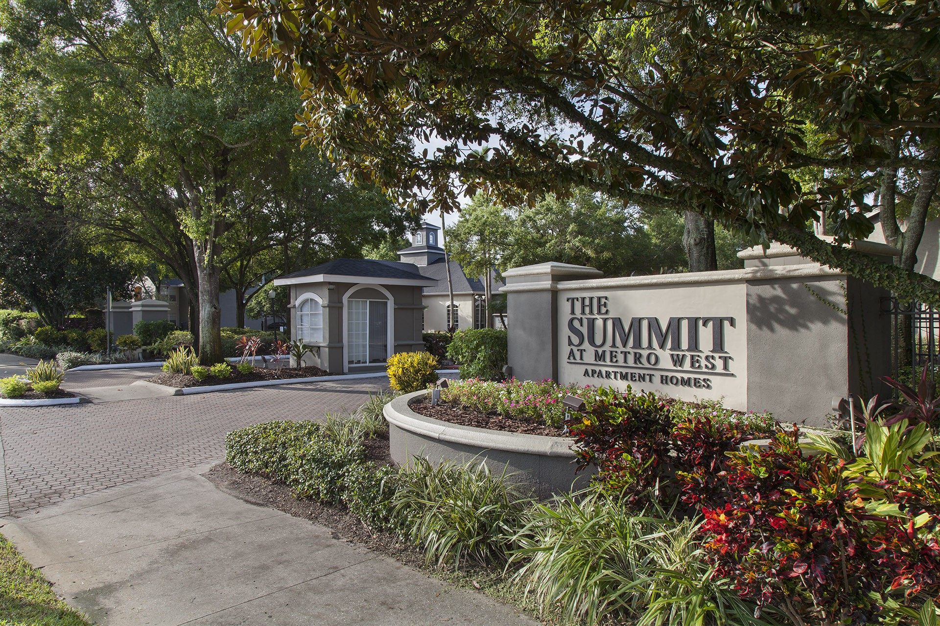 The Summit at Metrowest Apartments rental