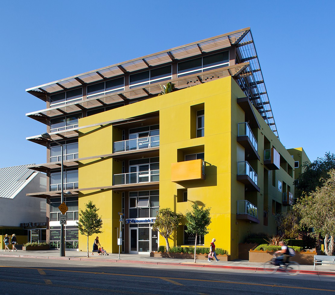 Apartments Near Cal State Northridge NMS 1539 Fourth for Cal State Northridge Students in Northridge, CA