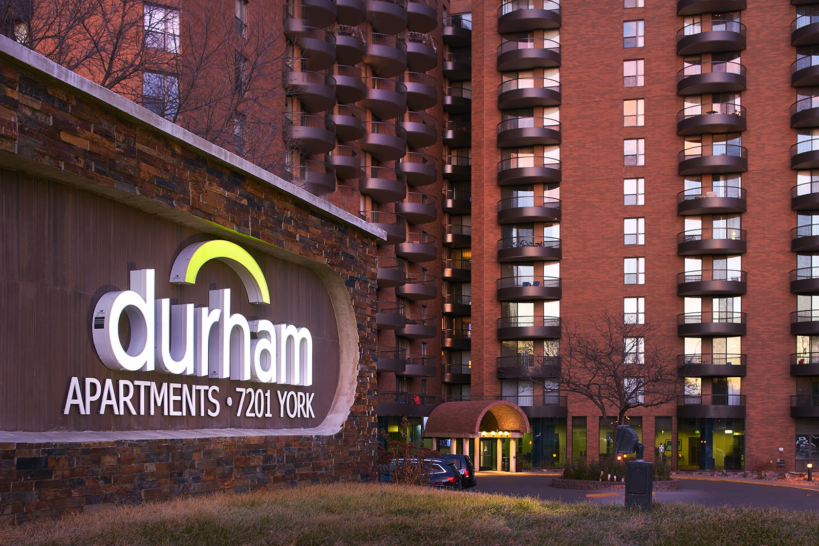 Apartments Near Crown Durham for Crown College Students in Saint Bonifacius, MN