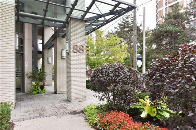 88 Broadway Avenue 410 Apartment For Rent