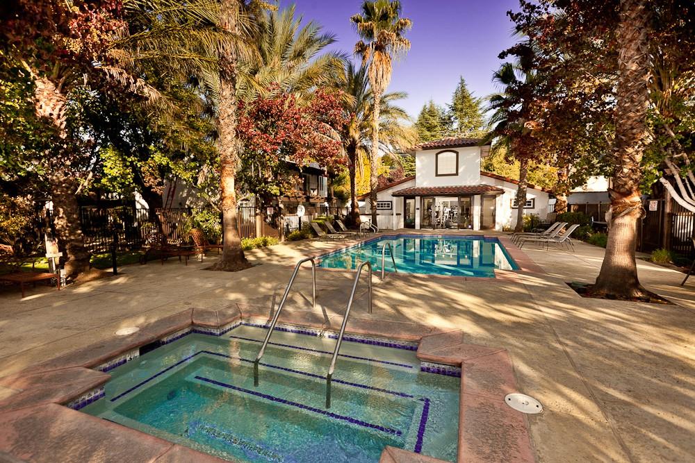 Apartments Near Sac State MONTECITO VILLAS for Sacramento State Students in Sacramento, CA
