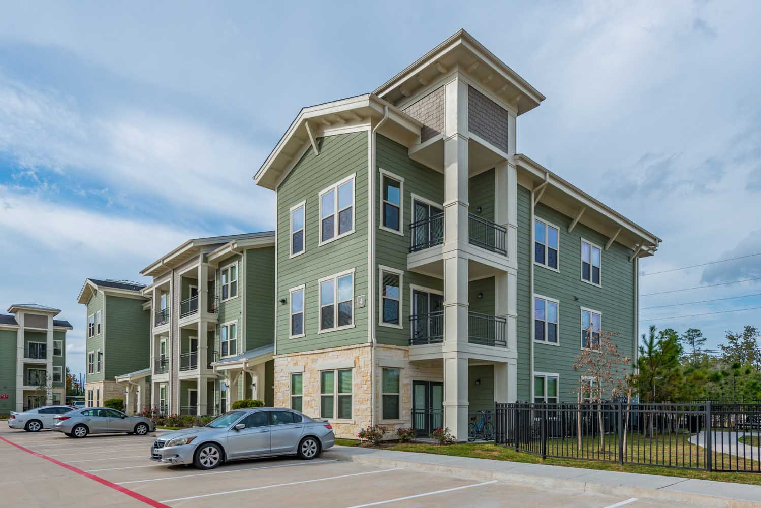Apartments Near ITT Technical Institute-Houston North Harpers Retreat for ITT Technical Institute-Houston North Students in Houston, TX