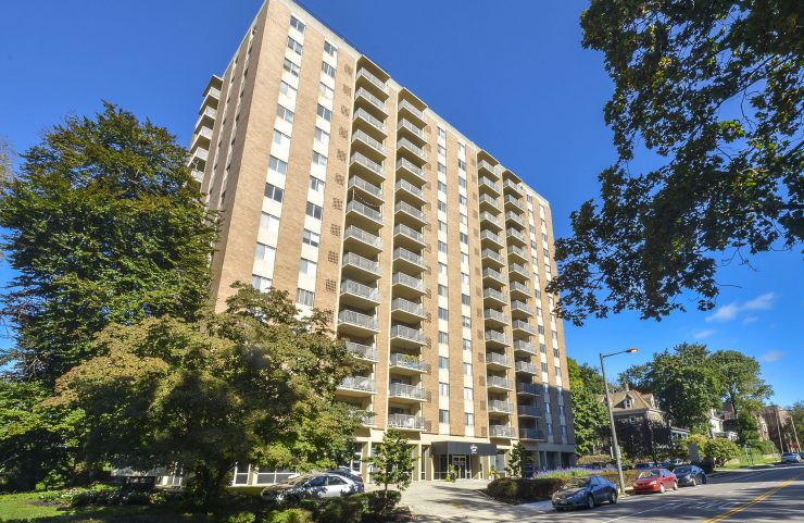 Apartments Near La Salle Hathaway House for La Salle University Students in Philadelphia, PA