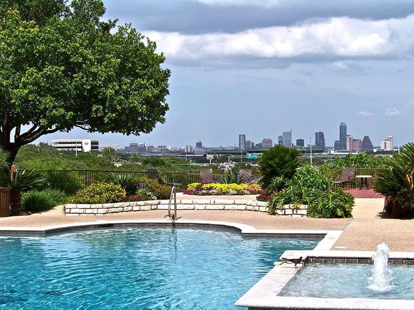 Apartments Near UT Austin Cliffs at Barton Creek for University of Texas - Austin Students in Austin, TX