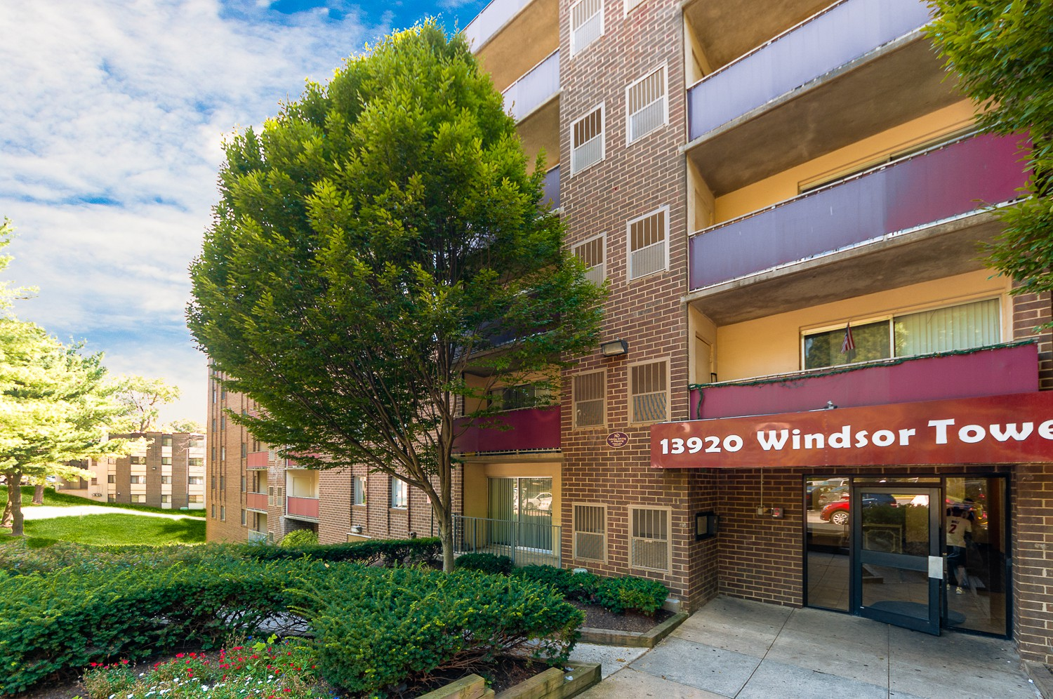 Windsor Courts for rent