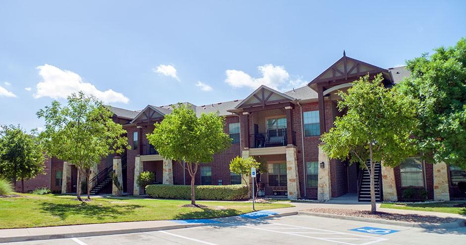 Apartments Near Collin College Retreat at Stonebridge Ranch Apartments for Collin College Students in McKinney, TX